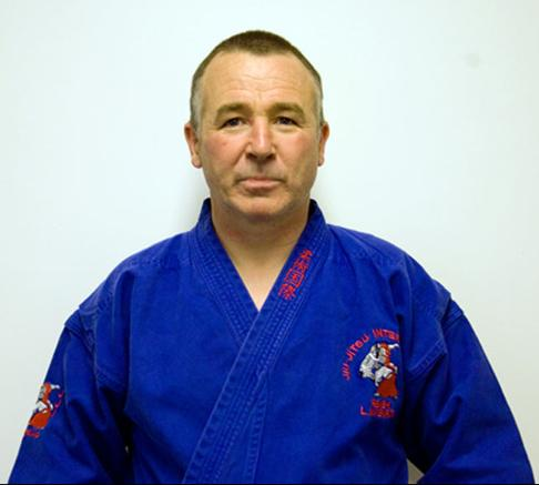 Shihan Larry Mc Enroe 7th Dan Jiujitsu,2nd Dan KyuJutsu,1st Dan Kenjutsu ,unarmed combat Instructor Irish Defence Forces.